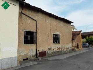 Photo - Country house, to be refurbished, 210 sq.m., Scalenghe