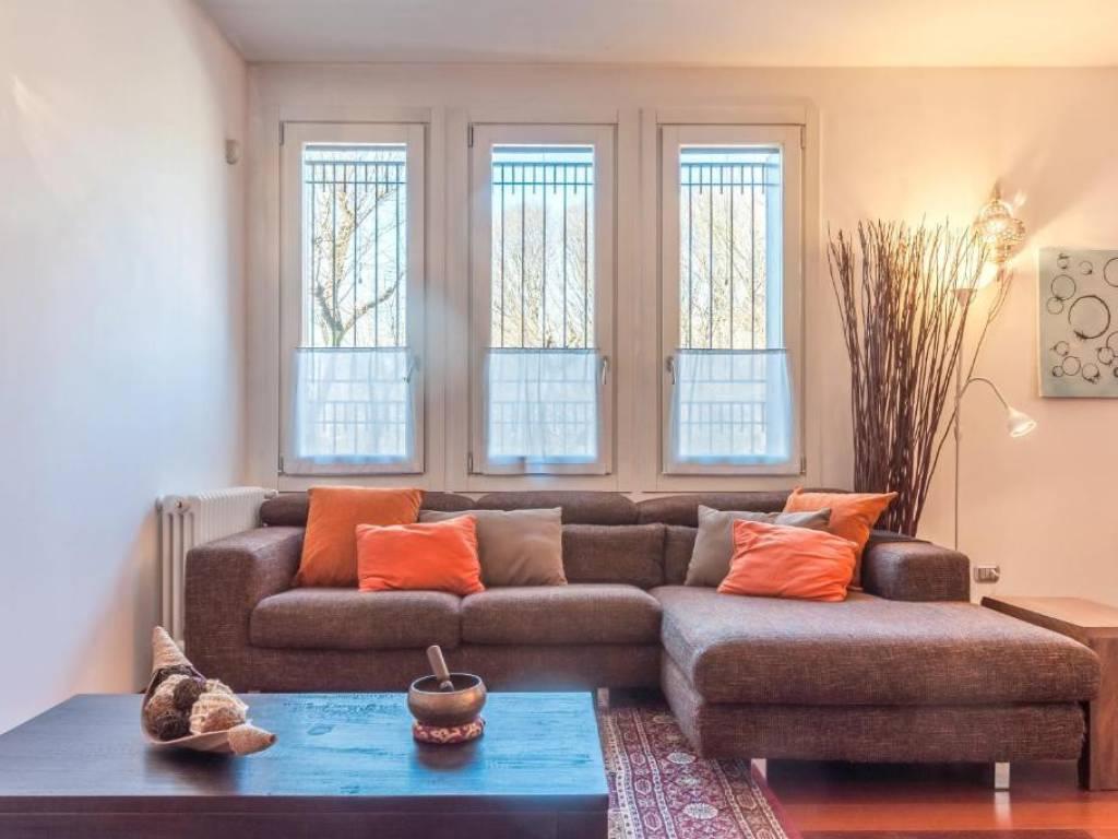 Vergani Home Divani Prezzi affitto appartamento milano. trilocale, ottimo stato, piano
