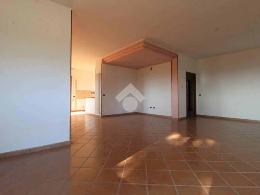 Cucine Mosciano Sant Angelo vendita appartamento in villa in contrada calgiano mosciano