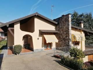 Foto - Villa plurifamiliare via Antonio Fogazzaro 21, Bisuschio