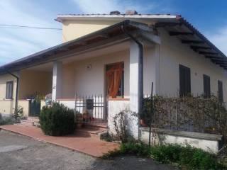 Foto - Trilocale Località Le Fosse 3, Camucia, Cortona