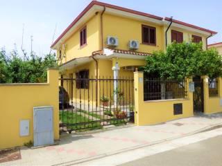 Foto - Villa a schiera 4 locali, ottimo stato, Uta