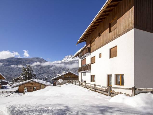 Appartamenti in vendita a Cortina d\'Ampezzo in zona Zuél. Cerca con ...