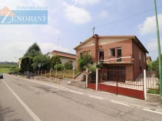Foto - Terratetto unifamiliare via Lodigo, 14, Sommacampagna