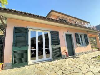 Photo - Single family villa via Camoglino 1, Avegno
