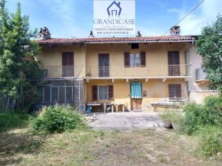 Photo - Single-family townhouse via Fabretti, Monteu da Po