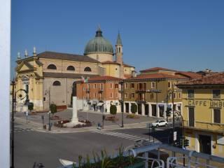 Foto - Quadrilocale buono stato, secondo piano, Villafranca di Verona