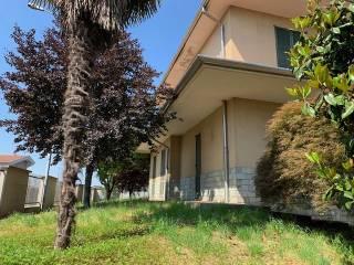 Foto - Villa unifamiliare, da ristrutturare, 240 mq, Zanica