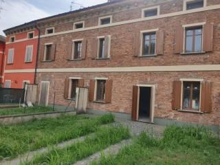 Photo - Terraced house 5 rooms, new, Visnadello, Malagnino