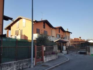 Foto - Appartamento via Monte Rosso, Beregazzo con Figliaro