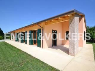 Photo - Single family villa viale 4 Novembre, Fiera, Treviso