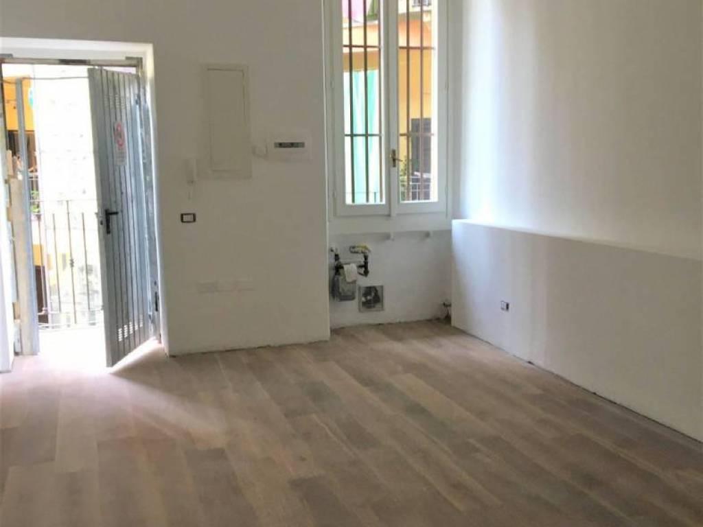 Bagno Cieco Areazione Forzata vendita appartamento milano. bilocale in via cenisio 40