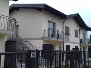 Foto - Trilocale via Roggia Borgogna 9, Cavernago