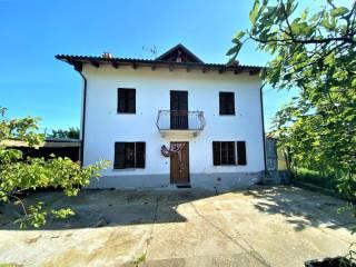 Foto - Terratetto unifamiliare via Provinciale 6, Serravalle Langhe