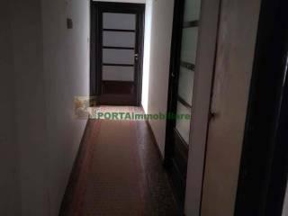 Foto - Appartamento da ristrutturare, quarto piano, Centro Storico, Savona