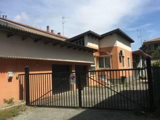 Foto - Villa unifamiliare Strada Alice Castello 25, Santhià