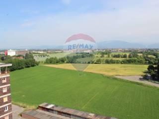 Foto - Bilocale buono stato, decimo piano, Verdellino