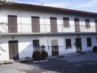 Photo - Farmhouse, good condition, 300 sq.m., Verzuolo