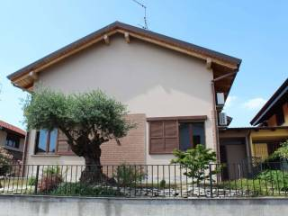 Foto - Villa plurifamiliare via Galileo Galilei, Lurano