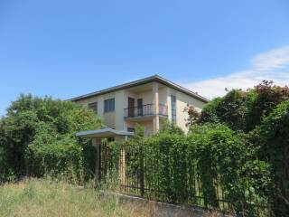 Фотография - Отдельный дом на несколько семей frazione Ca' De Vecchi, Torre d'Isola