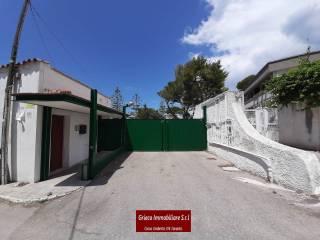 Foto - Casa adosada via Girasoli 150, San Vito - Carelli, Taranto
