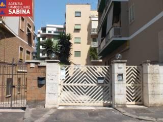 Foto - Trilocale via Antonio Coppi 8E, Appio Latino, Roma
