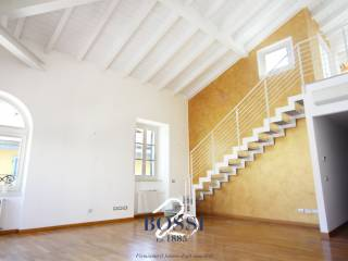 Foto - Appartamento ottimo stato, terzo piano, Centro, Varese
