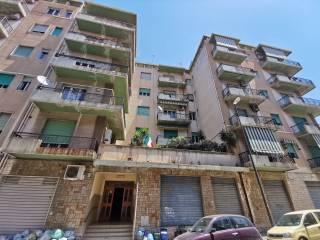 Foto - Trilocale via Fra' Gesualdo Melacrinò, Centro Storico, Reggio Calabria