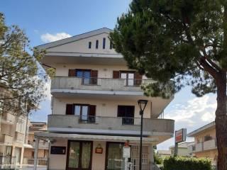 Photo - 3-room flat via Volturno, Pineto