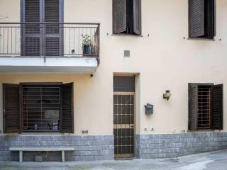 Photo - Single-family townhouse 135 sq.m., good condition, Pontirolo Nuovo