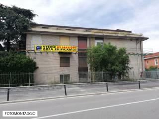 Foto - Terreno edificabile residenziale a Novate Milanese