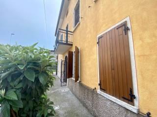 Foto - Terratetto unifamiliare 110 mq, buono stato, Vighizzolo, Montichiari