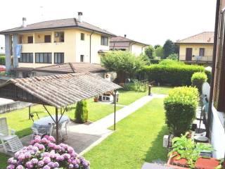Foto - Trilocale via Santagostino, 4-a, Casorate Primo
