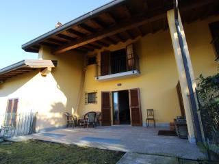Foto - Villa a schiera via Malavoglia 12, Ello