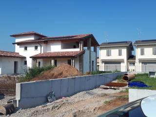 Foto - Casa pareada via Madri Canossiane Monteclarensi, Montichiari