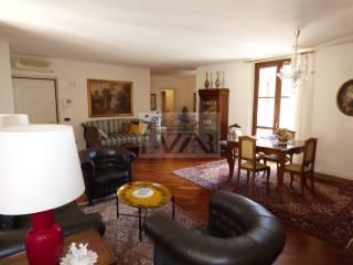 Foto - Appartamento via Bizzarra 2, Centro, Cremona