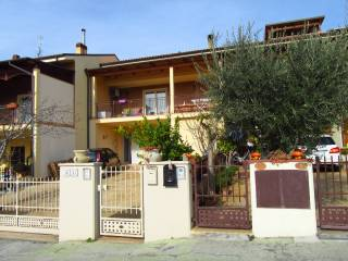 Photo - Single-family townhouse 119 sq.m., excellent condition, Borgo Santa Maria, Pineto