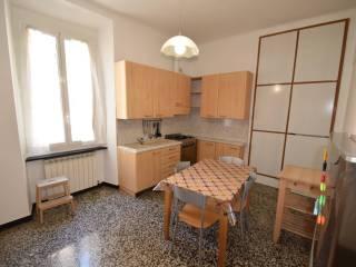 Foto - Trilocale via Donghi, San Fruttuoso, Genova