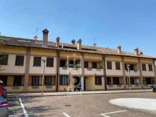 Foto - Trilocale via Giovanni Gentile 4, San Vito, Gaggiano