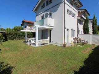 Foto - Villa bifamiliare via Giuseppe Giusti, Cinquale, Montignoso