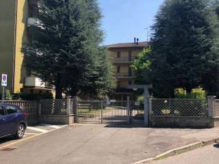 Foto - Box o garage via Fratelli Rosselli 9, Tavazzano con Villavesco