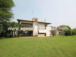 Photo - Single-family townhouse via Dei Toscani, Curtatone