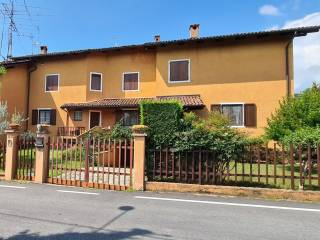 Foto - Villa a schiera via Tabbia 54, Camburzano