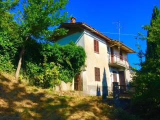Photo - Country house, to be refurbished, 150 sq.m., Bobbio