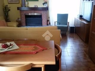 Foto - Trilocale via Sant'Ambrogio 18, Inverigo