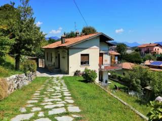 Foto - Villa unifamiliare via Alessandro Volta 45, Alta Valle Intelvi