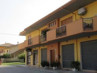 Foto - Appartamento via Giovanni Falcone, Loreto Aprutino