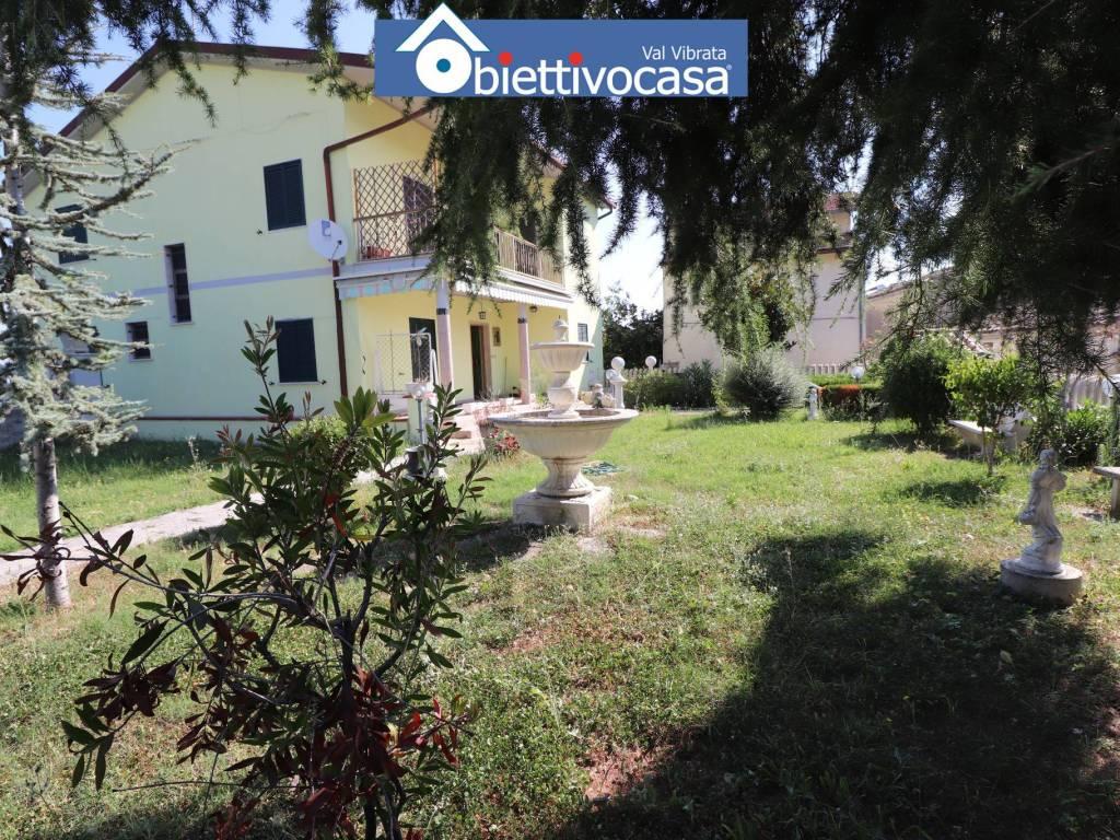 foto facciata Single family villa Molviano, Campli