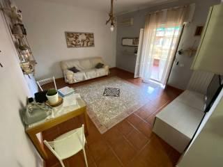 Photo - 3-room flat via Moncenisio 6, Santa Marinella