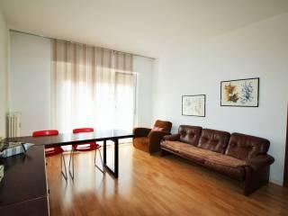 Foto - Appartamento buono stato, terzo piano, Semicentro, Trento